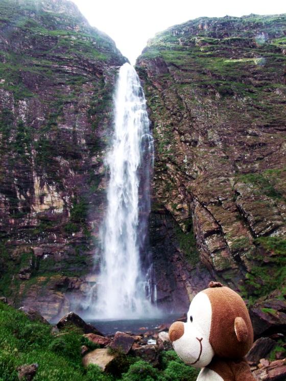 A cachoeira Casca d'Anta é enorme!